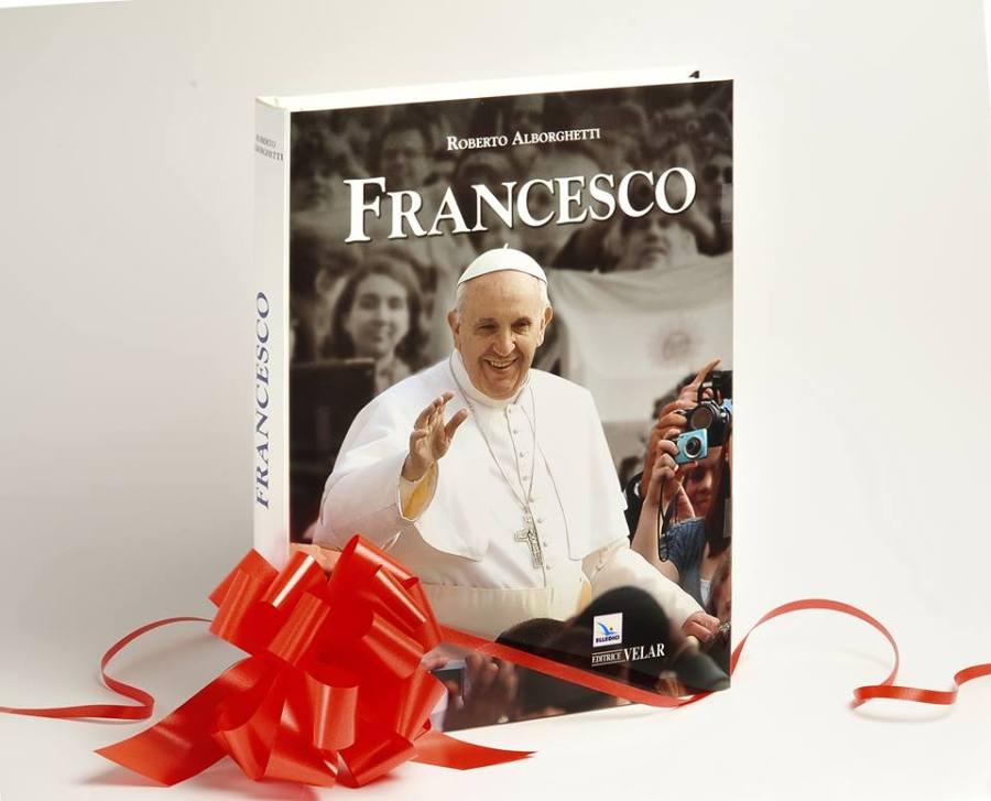 """La copertina del volume unico di """"FRANCESCO"""", di Roberto Alborghetti, Edizioni Velar-Elledici. La presentazione dell'immagine fotografica qui riprodotta è stata curata da Augusto Maraffa"""