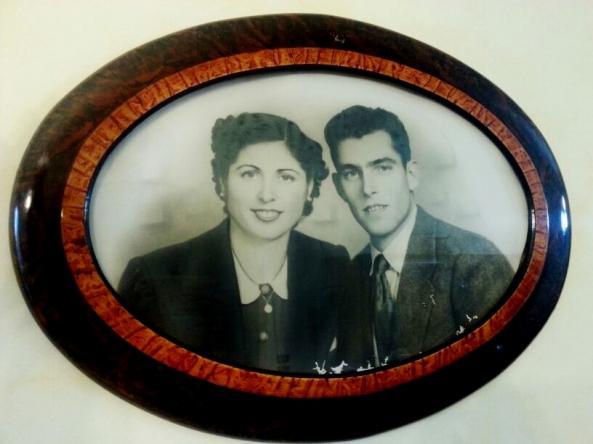 Tina e Battista, in una bellissima  immagine scattata all'inizio del loro lungo cammino d'amore.