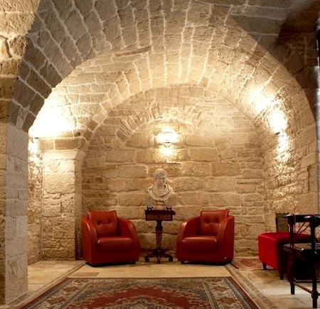 Bitonto, Bari , Palazzo Antica Via Appia (1)
