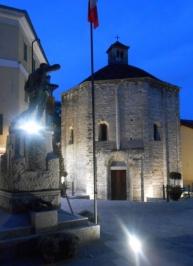 © Photo by ROBERTO ALBORGHETTI - St.John Baptistery, Lenno, Lake Como, Italy (2) (464x640)