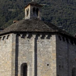 © Photo by ROBERTO ALBORGHETTI - St.John Baptistery, Lenno, Lake Como, Italy (6) (640x469)