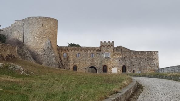 Bovino, il Castello - Foto di R. Alborghetti