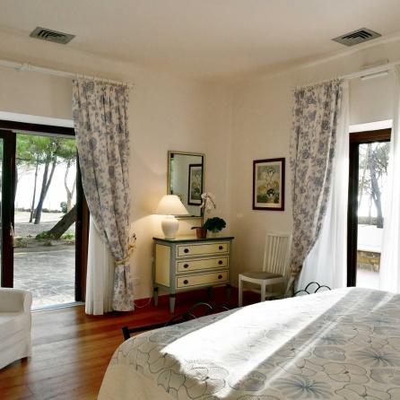 6.3 Punta Licosa Villa Sirena Bedroom (6)
